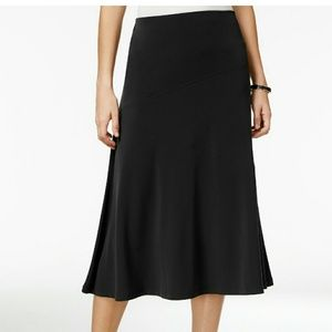 JM COLLECTION slinky black flowy midi skirt